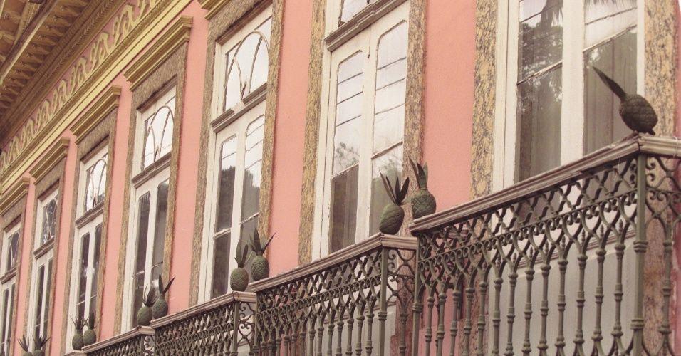 Prédios históricos do Rio de Janeiro sofrem com falta de conservação - BOL Fotos (Solar dos Abacaxis, Rua Cosme Velho)