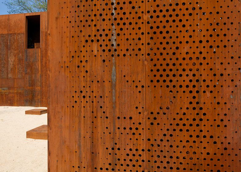 Hungary\'s Szathmáry Palace Ruins Renovated With L-Shaped Corten ...