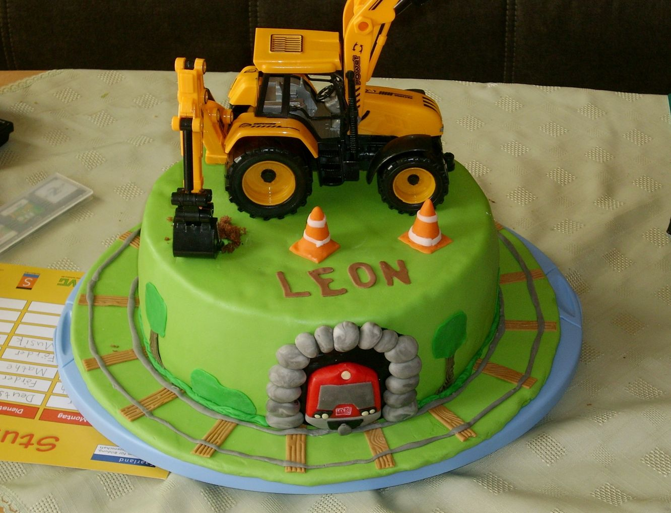 Train cake with Digger  Zug Torte mit Bagger  Meine