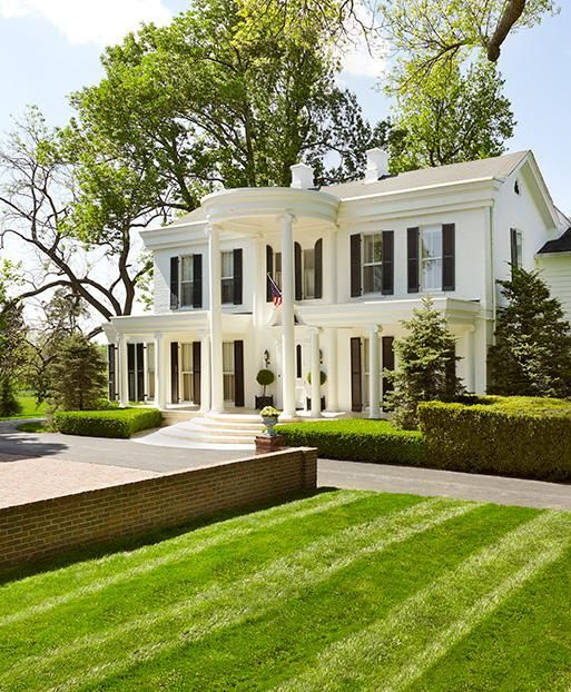 Kentucky Historic Houses And Horse Farms Historic Homes Federal Style House Facade House