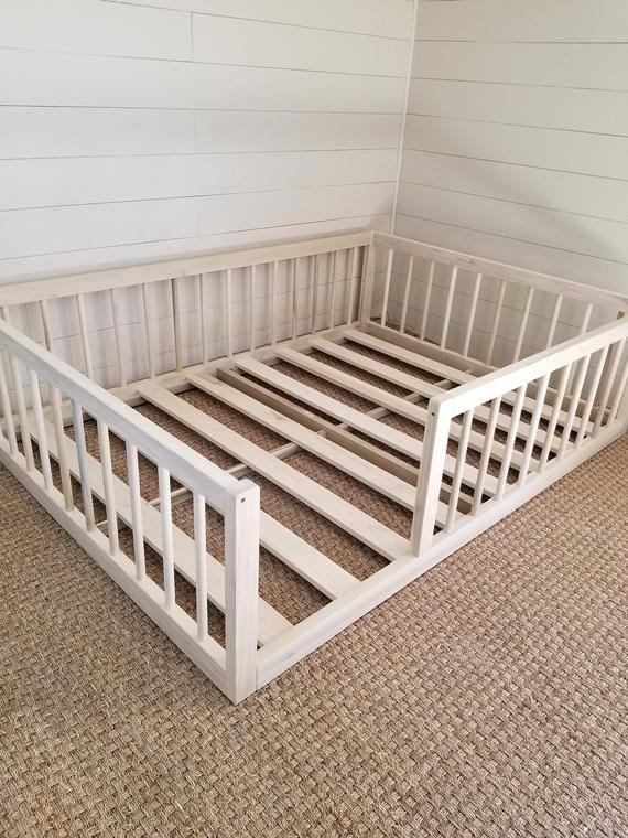 Lit de plancher de Montessori avec rails plein ou double bois dur de lit de plancher fait aux USA INCLUDES SLATS #toddlerrooms
