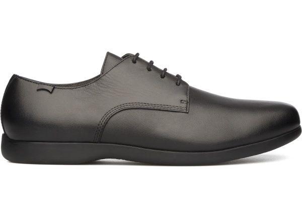 Noire. Protection. Urbaine. Punk. Grosses chaussures. Touche métallisée. |  Mode_Homme_Chaussures | Pinterest | Punk, Toucher et Mode homme