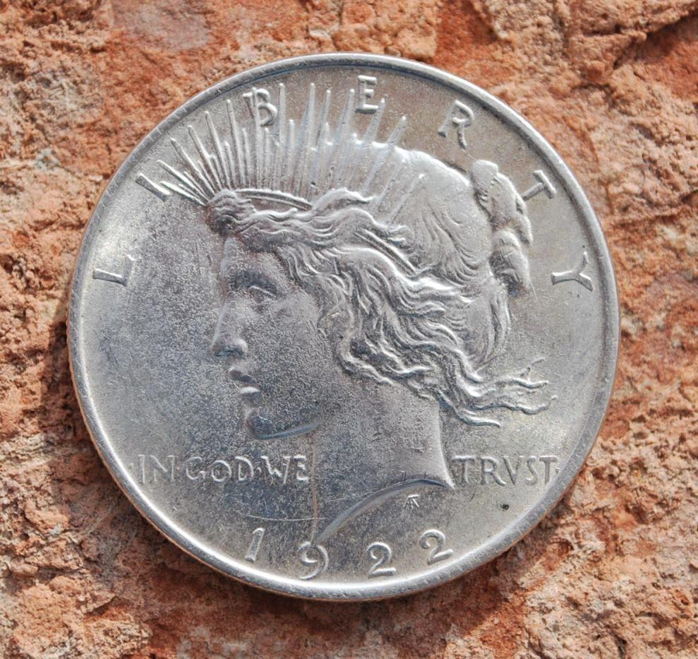 Silver Dollar Old Original /<br/> /<br/>/<b/>/<i/>These US Silver dollars were minted du