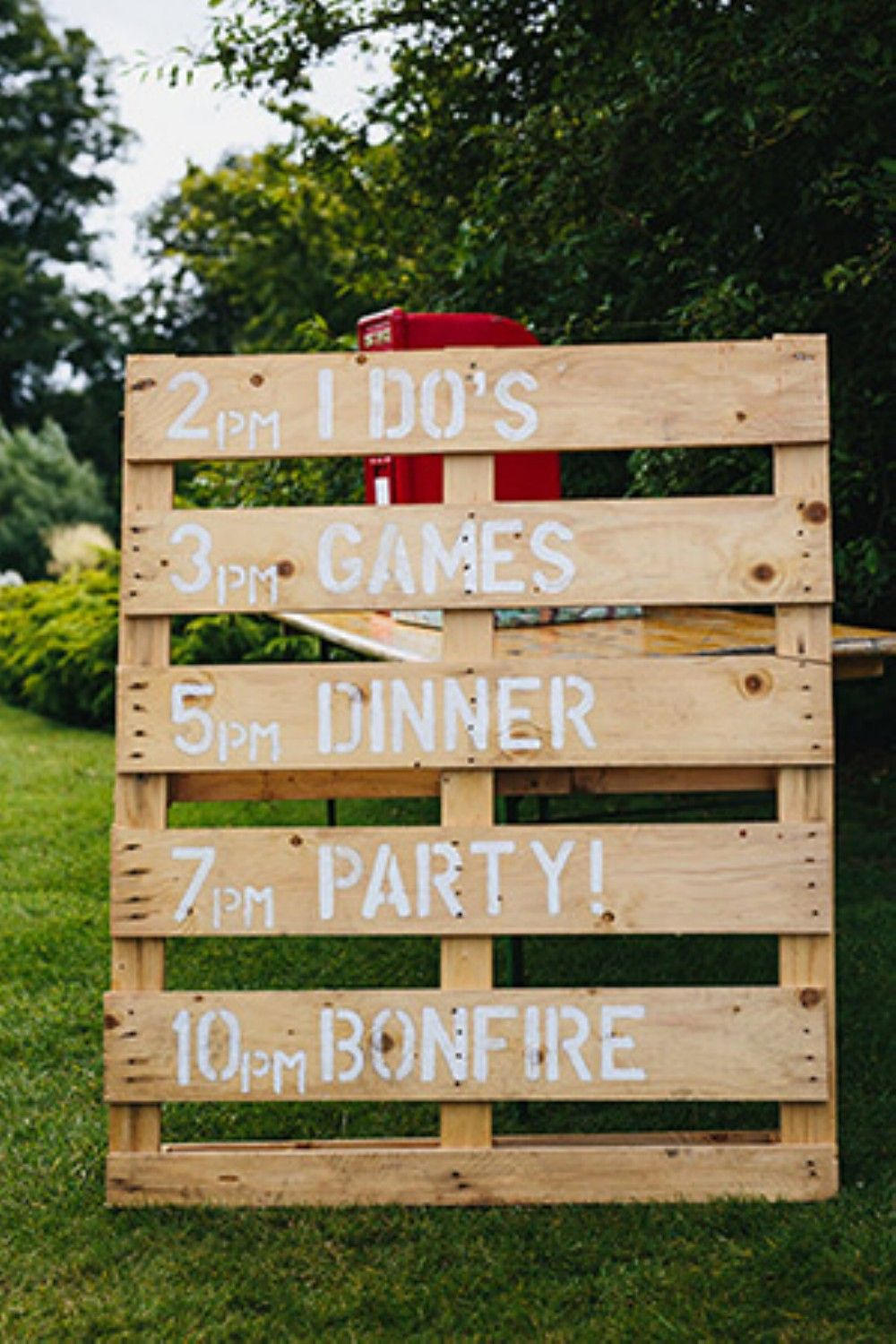 36 Budget-Friendly Outdoor Wedding Ideas for Fall | Budgeting ...
