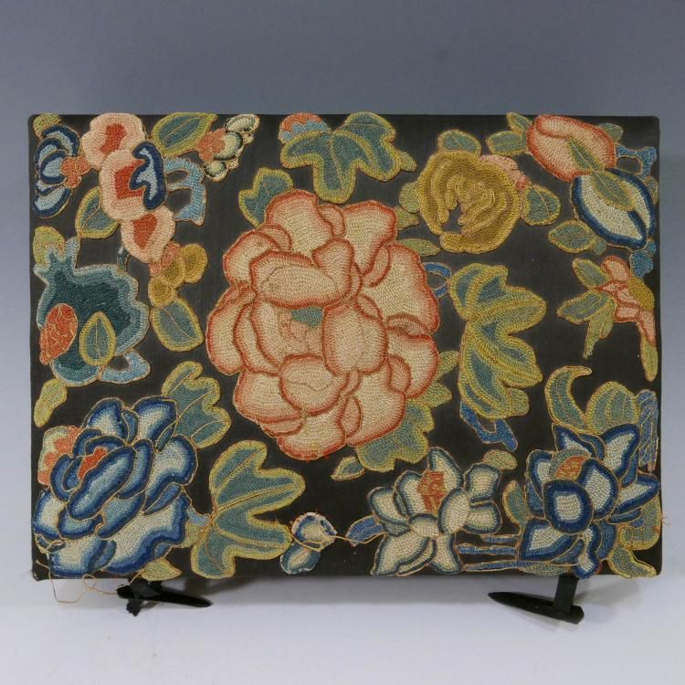ANTIQUE CHINESE KESI SILK EMBROIDERED JEWELRY BOX embroidered