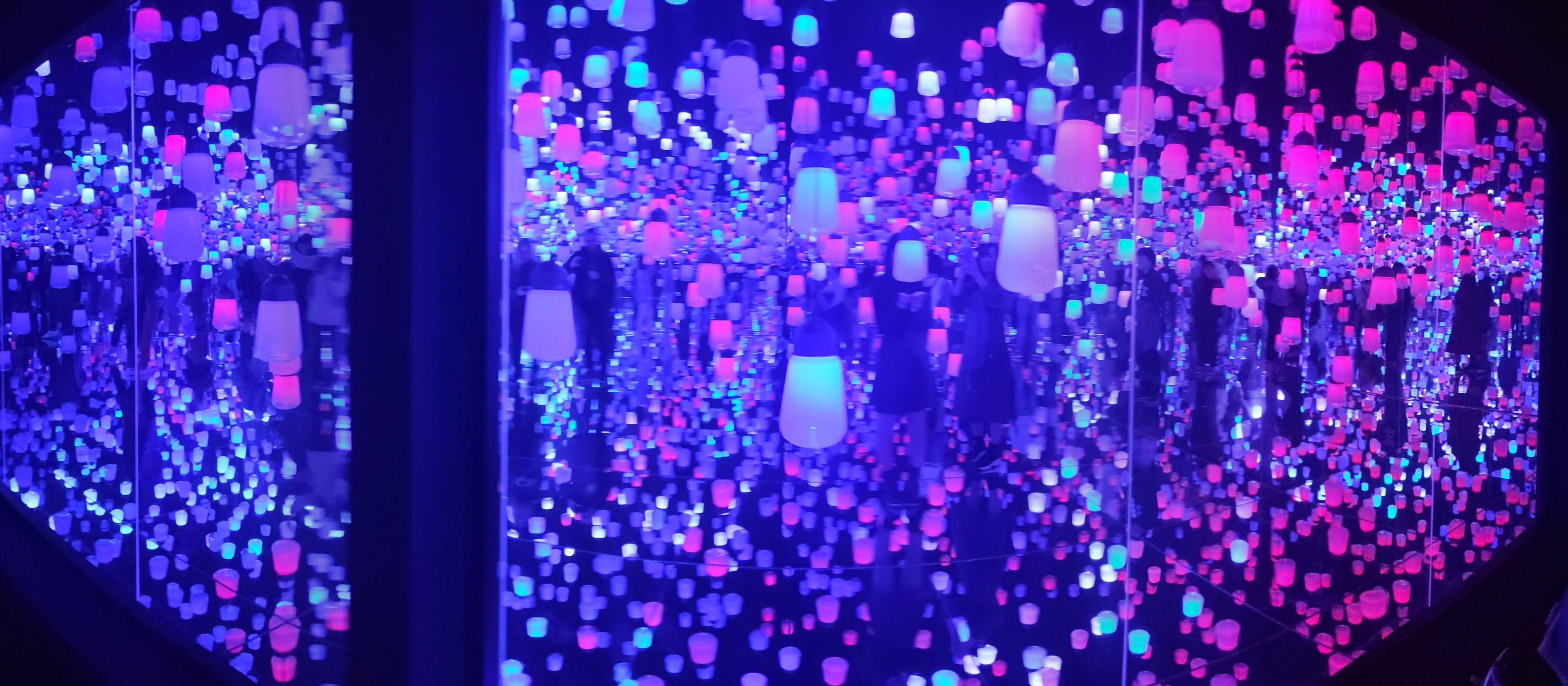 Teamlab Borderless Forest Of Resonating Lamps At Odaiba Tokyo Jan 20 In 2020 Odaiba Japanese Cooking Lamp