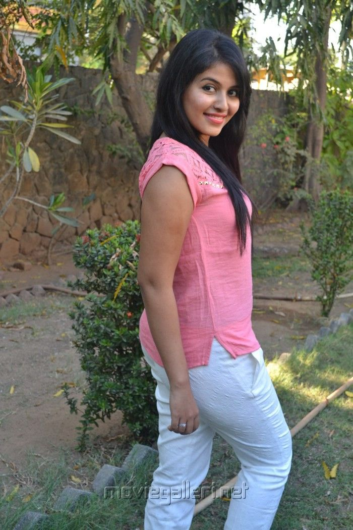 Tamil Actress Sweet Anjali Hd Wallpapers And Photos Gallery Me
