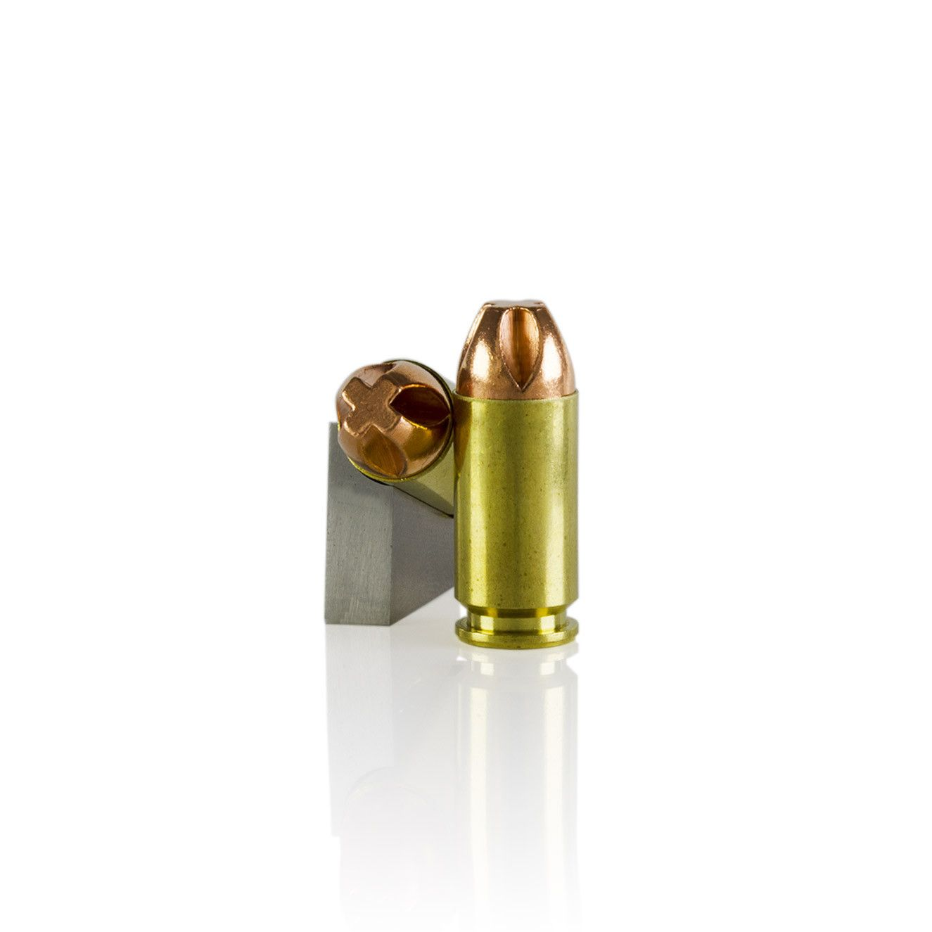 40 S&W 140gr Xtreme Penetrator Ammunition: The bullet is