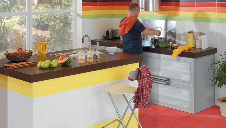 Decoración de cocinas integrales con azulejo   para más ...