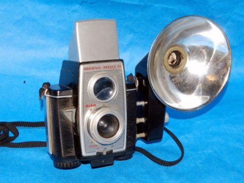 Vintage Kodak Brownie Reflex 20-620 film 12 exposures with flash attachment