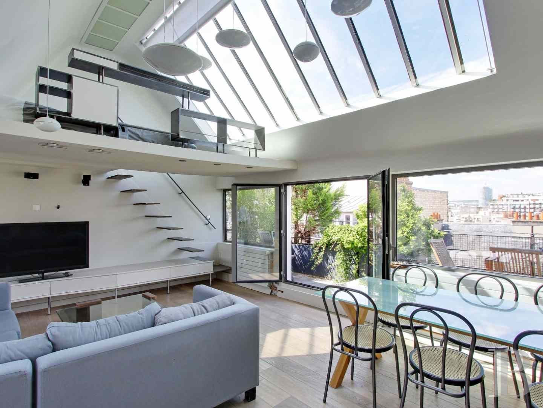 appartement avec terrasse en dernier tage paris 15 apartments in paris en 2019 paris et house. Black Bedroom Furniture Sets. Home Design Ideas