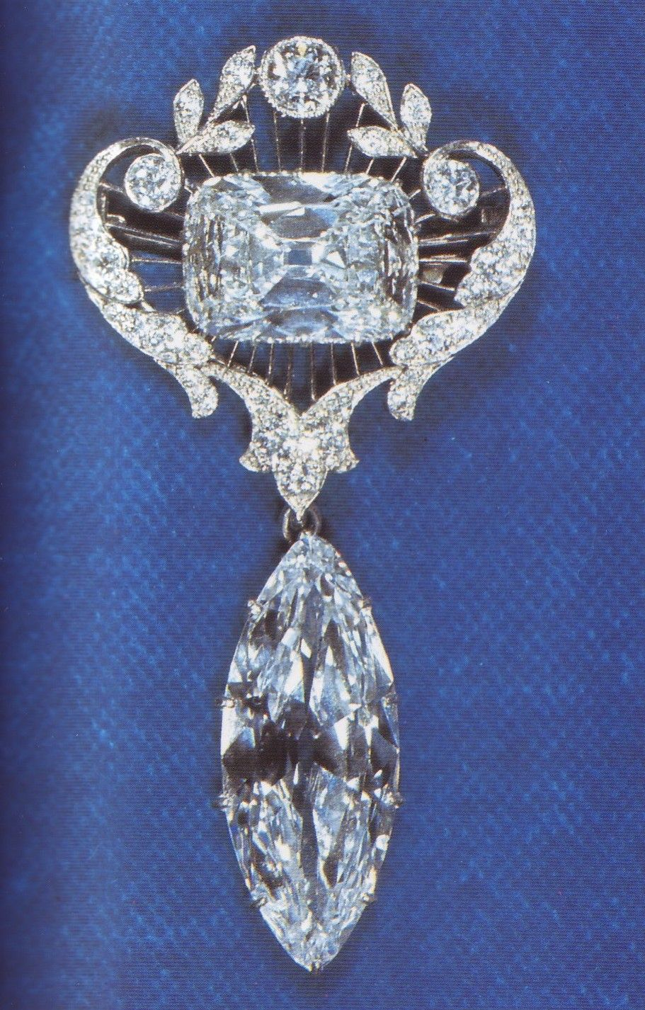 The Cullinan VII and Cullinan VIII Brooch: The Cullinan VII is an 8.8-carat marquise-cut stone. The Cullinan VIII is a 6.8-carat brilliant cut diamond. Queen Mary had this brooch made.