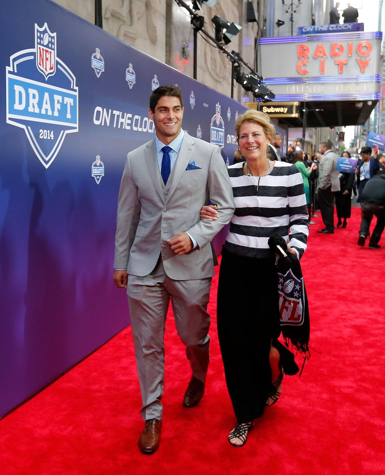 The Patriots Newest Draft Pick Qb Jimmy Garoppolo Football Boyfriend New England Patriots American Football