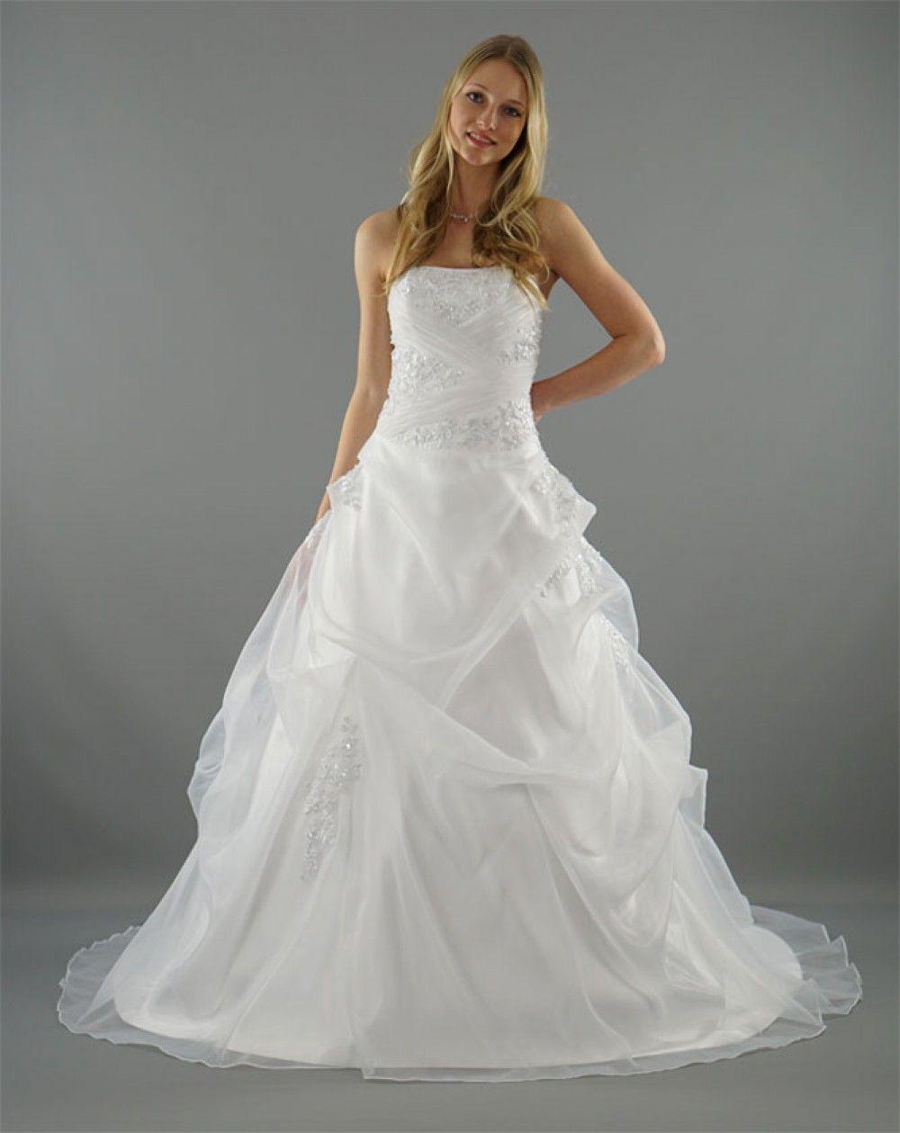Modell Greta   bauschiger Rock, elegante Braut und Brautkleid
