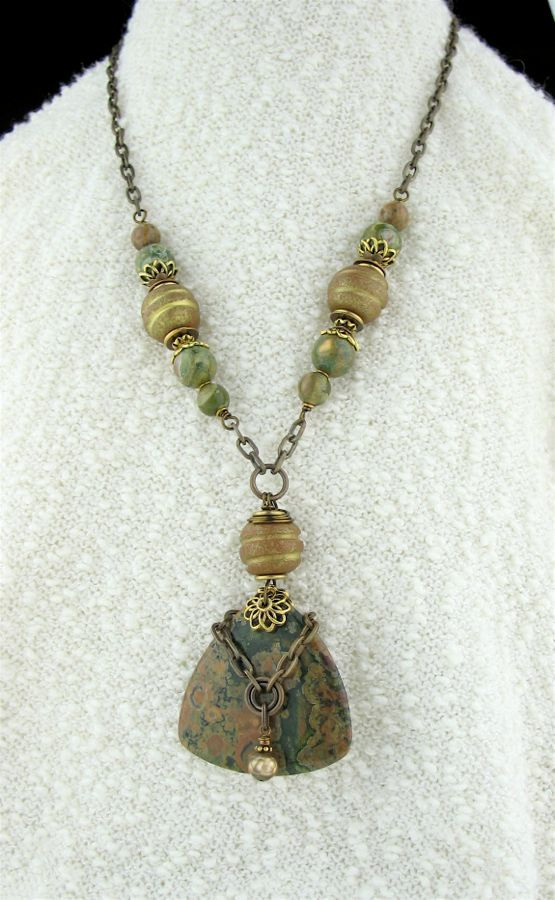 green stone necklace jewelry