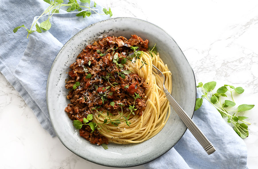 Spaghetti Bolognese Opskrift Pa Den Bedste Pasta Med Kodsovs I 2020 Opskrifter Spaghetti Bolognese Spaghetti Opskrifter