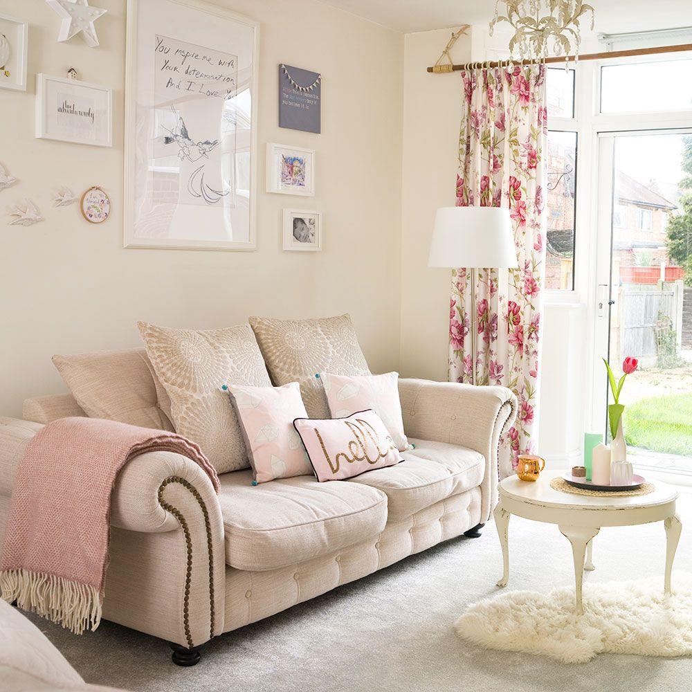 Spacious modern pastel living room & Spacious modern pastel living room   Carpet/ wall colour ideas ...