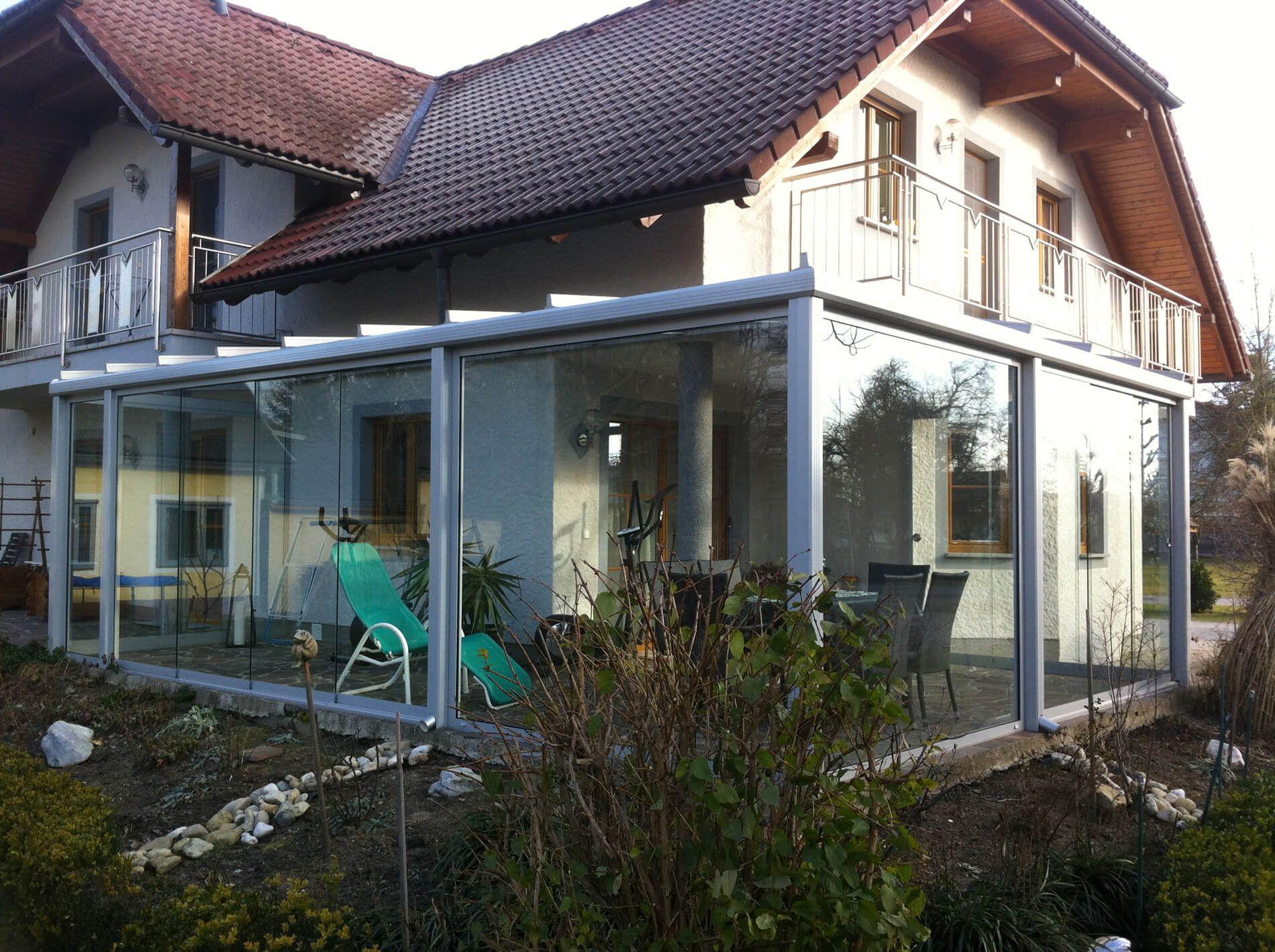 Glas Falttür rahmenlos für Terrassenverglasungen und Balkone