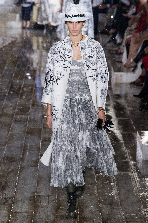 bcb26c543149 Christian Dior Resort 2019 Fashion Show Collection: See the complete Christian  Dior Resort 2019 collection. Look 41