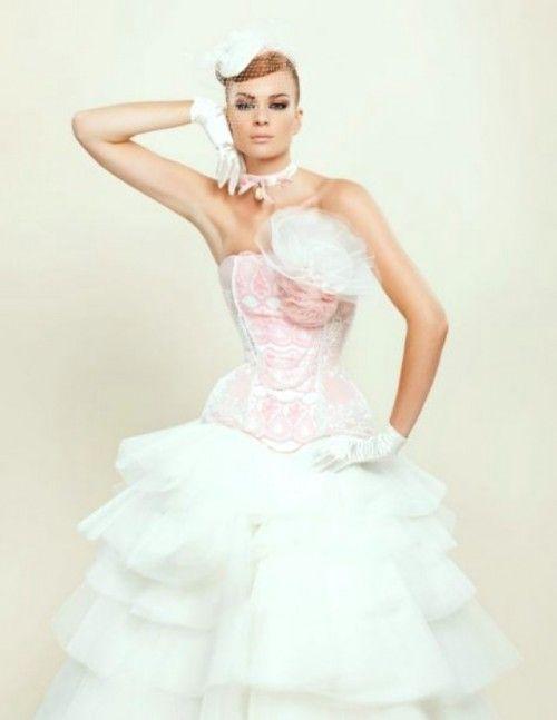 Vestidos de novia coloridos - http://www.efeblog.com/vestidos-de-novia-coloridos-9649/