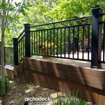 Black Westbury Riviera C30 Railing with black TimberTech