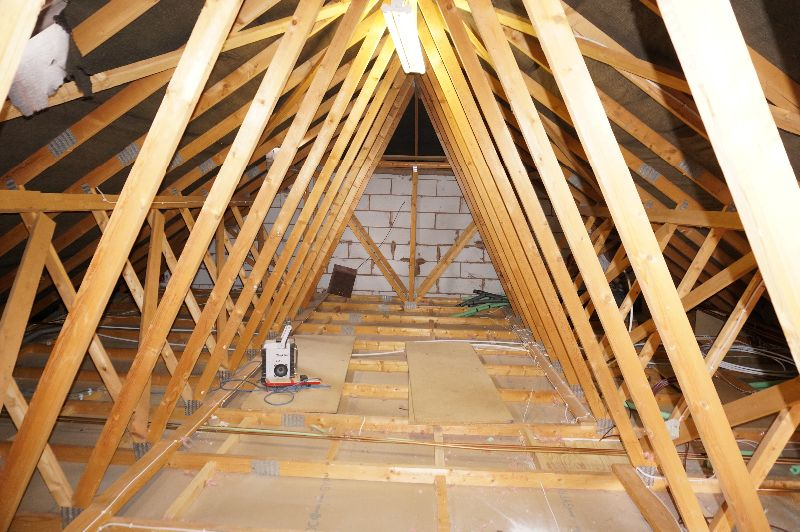 5 telebeam loft conversion by attic designs 800 for Roof trusses installation