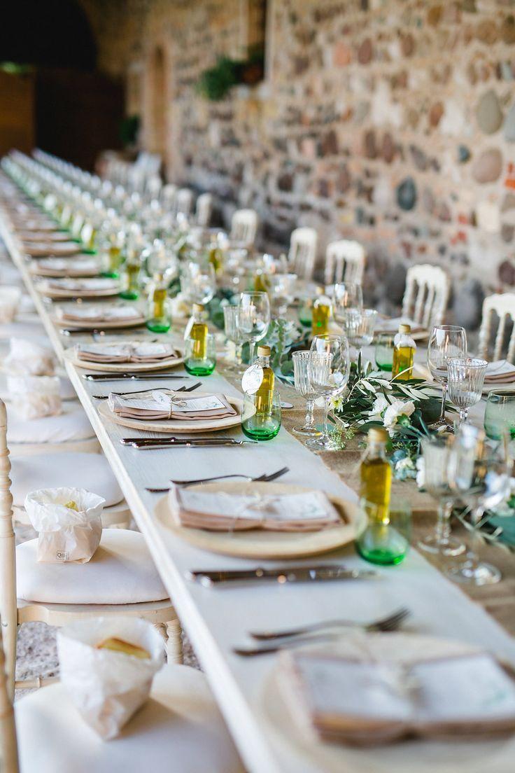 Mediterrane Greenery Hochzeit am Gardasee - Tischdekoration Hochzeit I Wedding Tablescape -