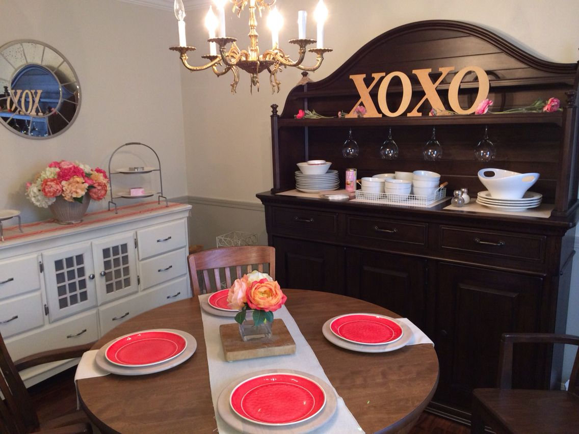 Valentine's Day dining room decorations. | Dining room ...
