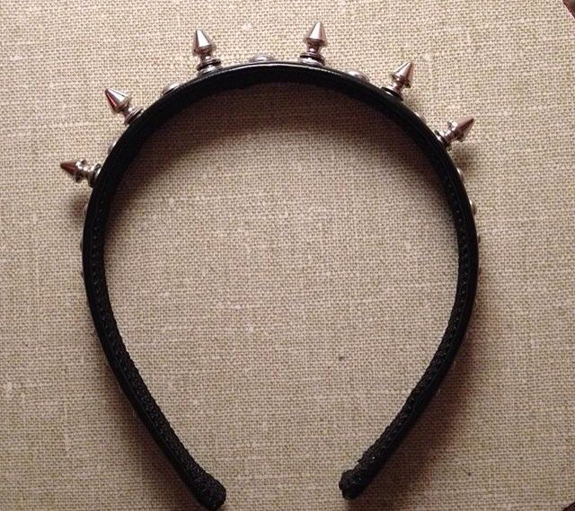 DIY spike crown headband. Easy pastel goth style made from home, only took me about 15 minutes.
