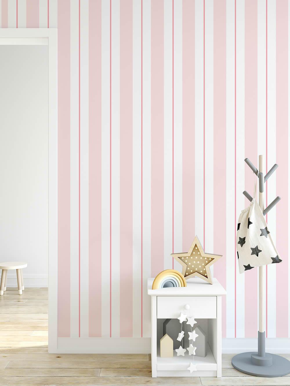 Madchenzimmer Streifentapete Weiss Rosa Pink Mustertapete In 2020 Gestreifte Tapete Haus Deko Rauminspiration