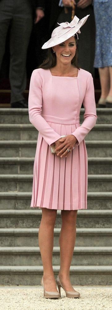 PHOTO: See Kate MIddleton\'s Scandal-Causing Dress   Duquesa de ...