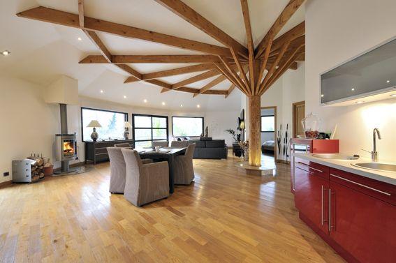 maison bois par la maison du c dre pole barns houses pinterest barn and house. Black Bedroom Furniture Sets. Home Design Ideas
