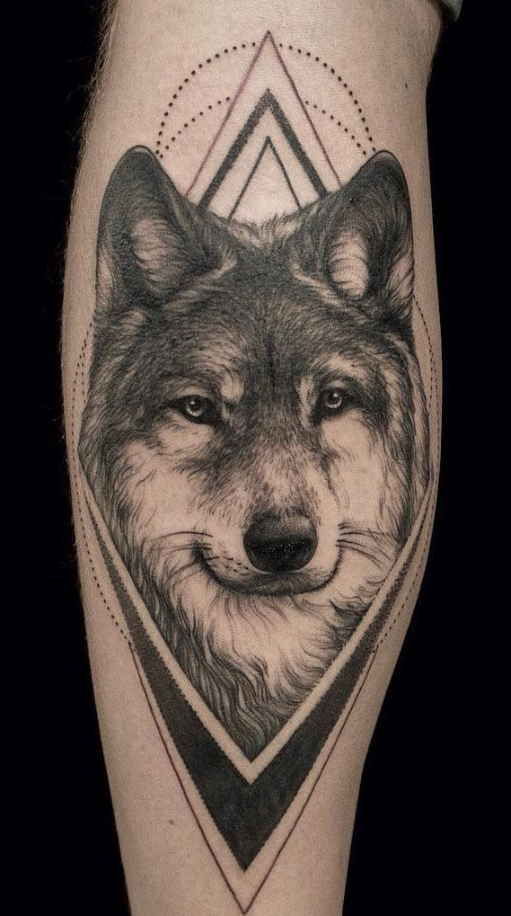 50 Of The Most Beautiful Wolf Tattoo Designs The Internet Has Ever Seen Lobo Tatuagem Tatuagem Casal Tatuagem Braco