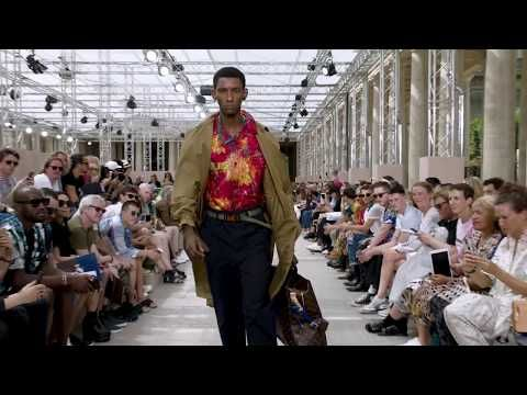 bbaa03ad0458 Highlights from the Louis Vuitton Men s Spring-Summer 2018 Fashion Show -  YouTube