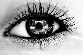 Bildergebnis Für Schwarz Weiß Fotografie Mit Farbe Wallpaper Schwarz Weiß Weiße Fotografie Augen Zeichnen