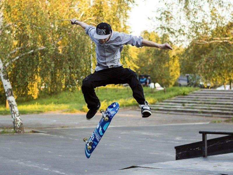 skateboard tricks kickflip   Skateboard pictures, Cool