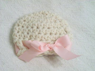 Free Crochet Pattern Rockin  Like A Hermit Crab  My Super Bulky Newborn Hat  - Girlie Version 05f51eb16a7