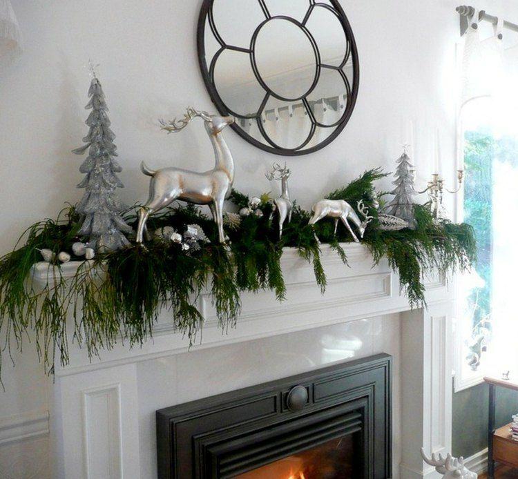 Weihnachtsdeko mit silbernen rentier und - Weihnachtsdeko modern ...