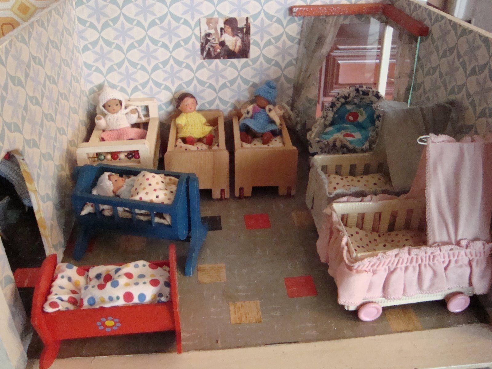 Puppenhaus Constanza DDR Spielzeug, Puppenstuben