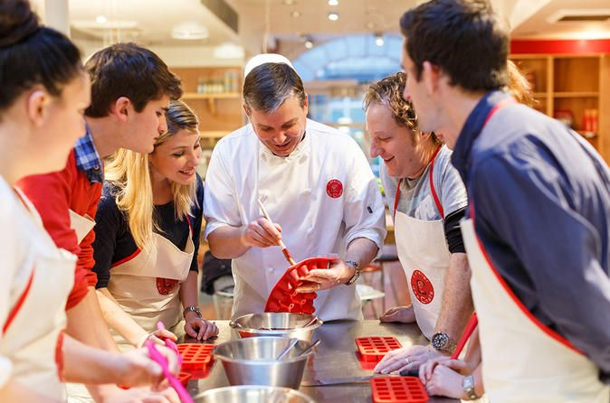 French Pastry And Dessert Class At L Atelier Des Chefs Make The Most Of Your Time In Paris On This 2 Hour French Pastry French Pastries Cooking Classes Pastry