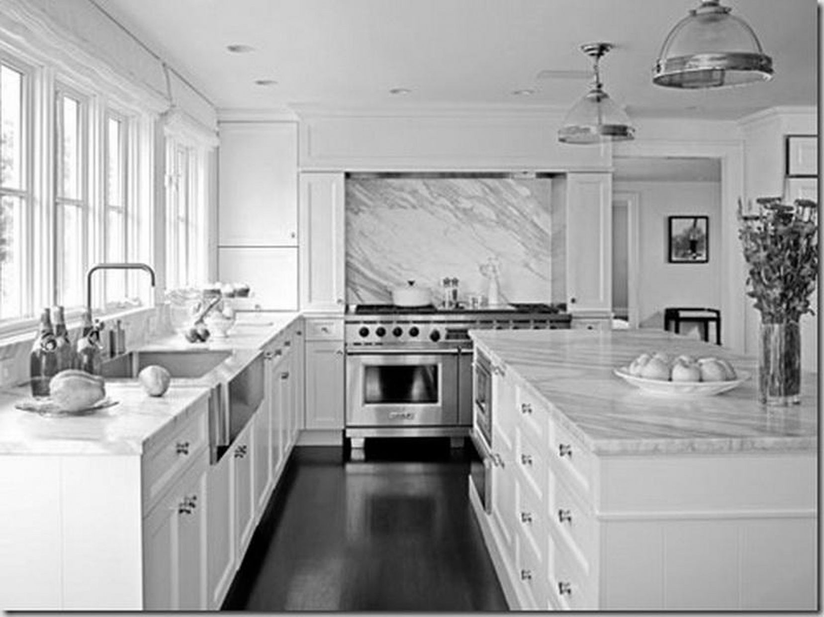 Best 2019 White Kitchen Cabinets With Gray Quartz Countertops 400 x 300