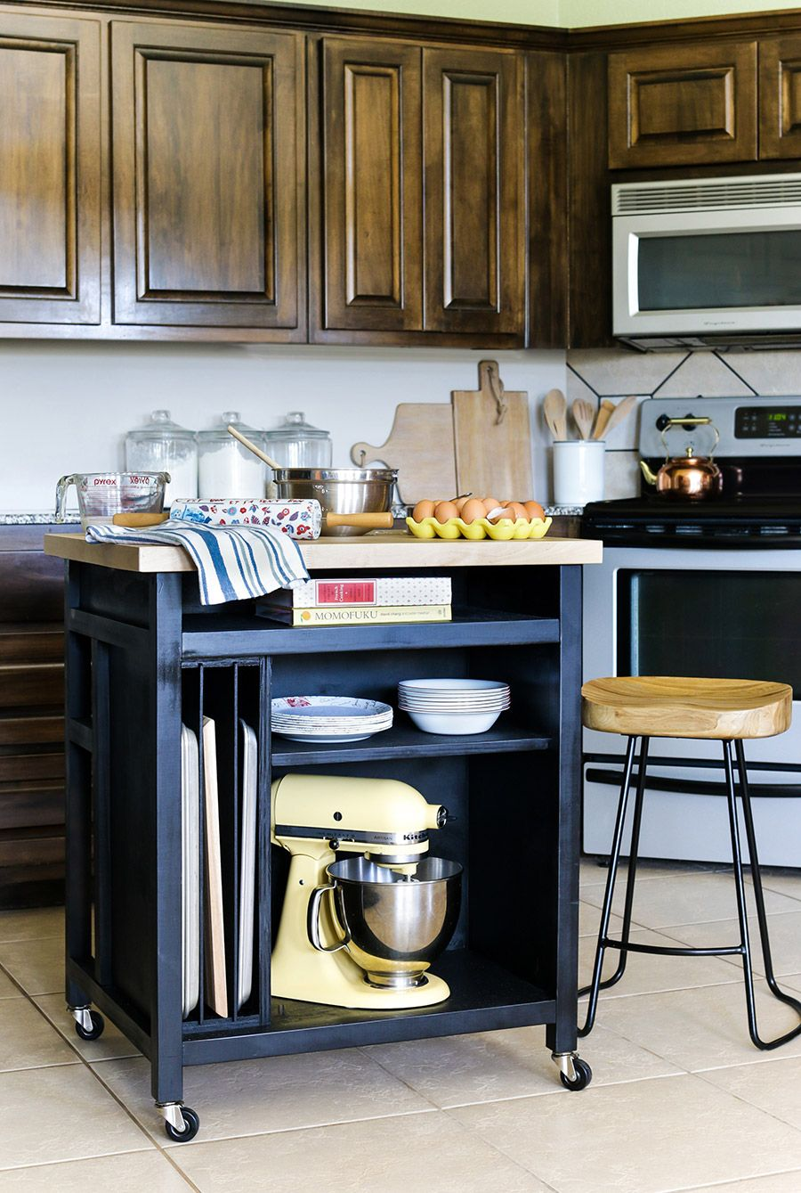 Lovely DIY Rolling Kitchen Island