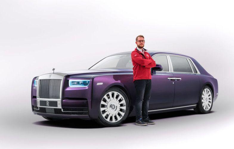 News Das Luxurioseste Autohaus Der Welt Zwei Mal Truffel Spaghetti Und Einen Lexus Bitte Rolls Royce Phantom Rolls Royce Classic Cars