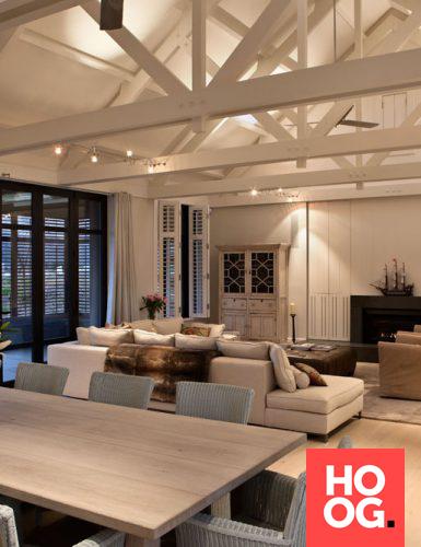 Luxe woonkamer inrichting met luxe zitbank   Casas   Pinterest
