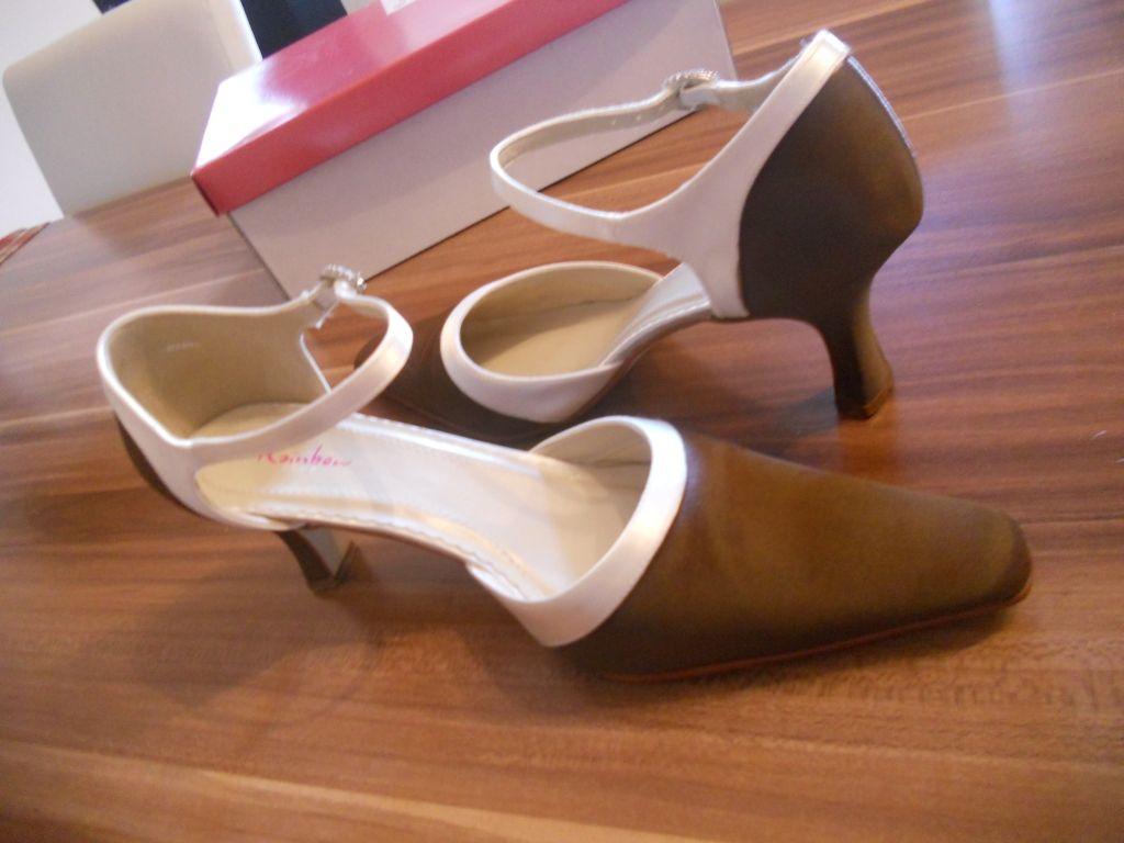 selbst gefärbte Schuhe