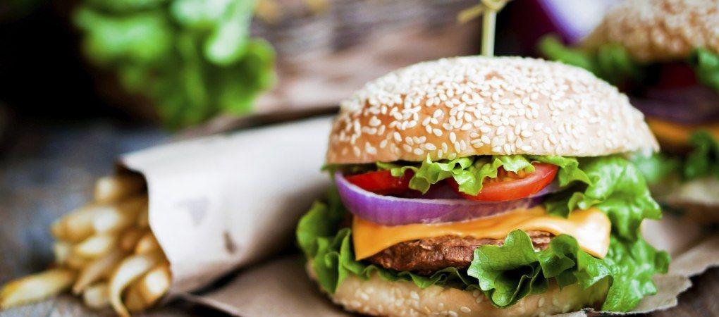 Ihr sucht das perfekte Burger-Rezept? Hier kommt es!