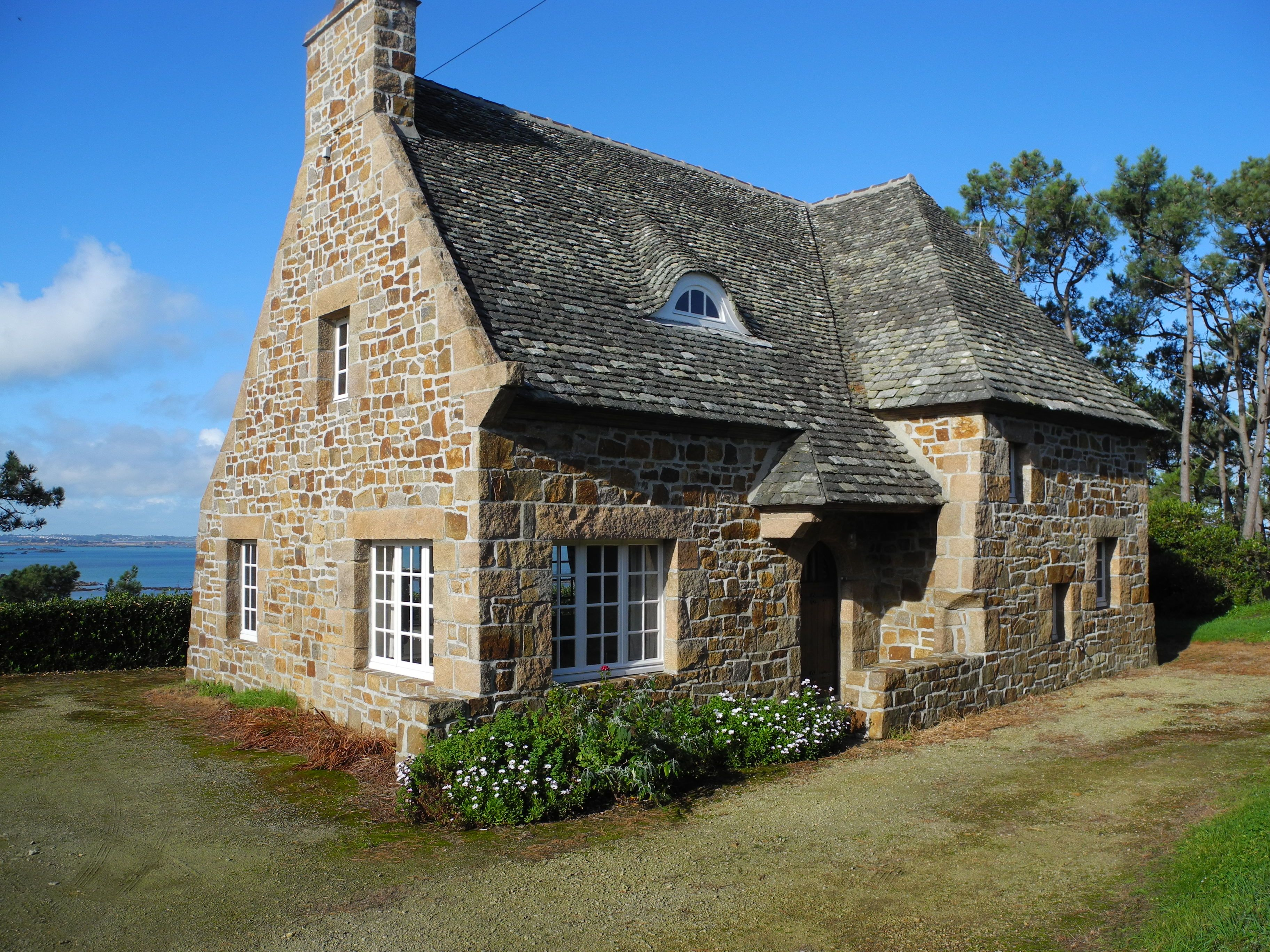 Vente Maison En Pierres Vue Mer Baie De Morlaix Maison Bretagne Maison En Pierre Immobilier Bretagne