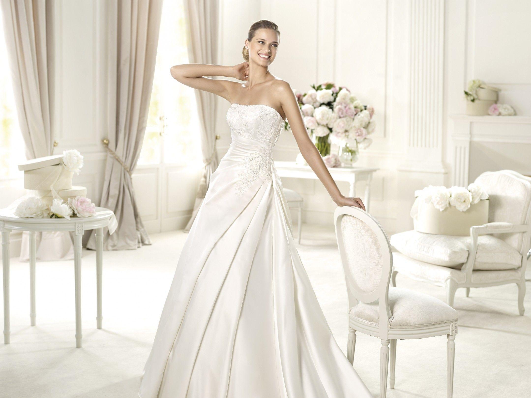 d412b308c0 Uxue - Pronovias - Esküvői ruhák - Ananász Szalon - esküvői, menyasszonyi  és alkalmi ruhaszalon