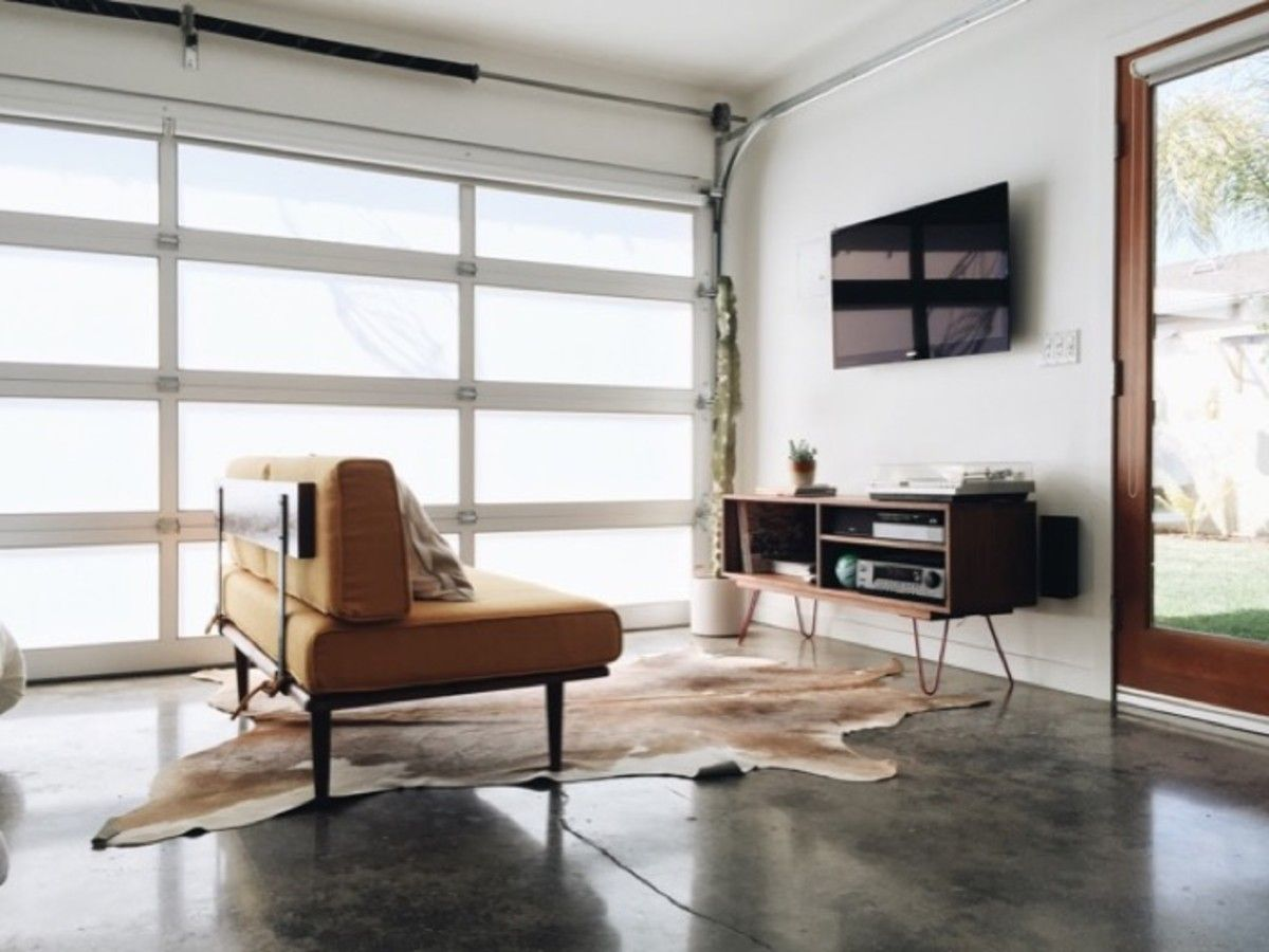 The Coolest Airbnb In Los Angeles Garage conversations