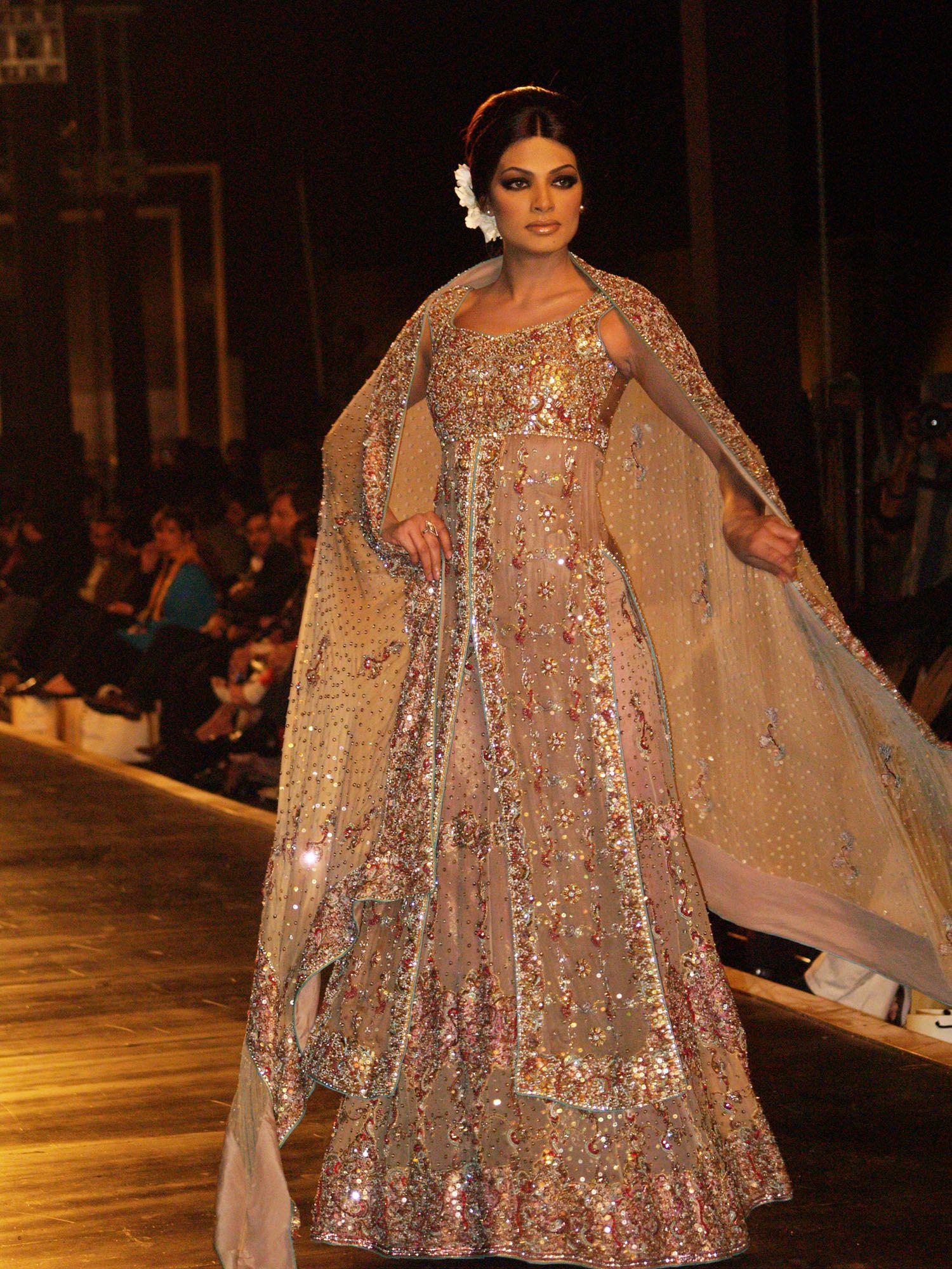 Soma Sengupta Indian Fashion Sparkling Glamor Indian Fashion